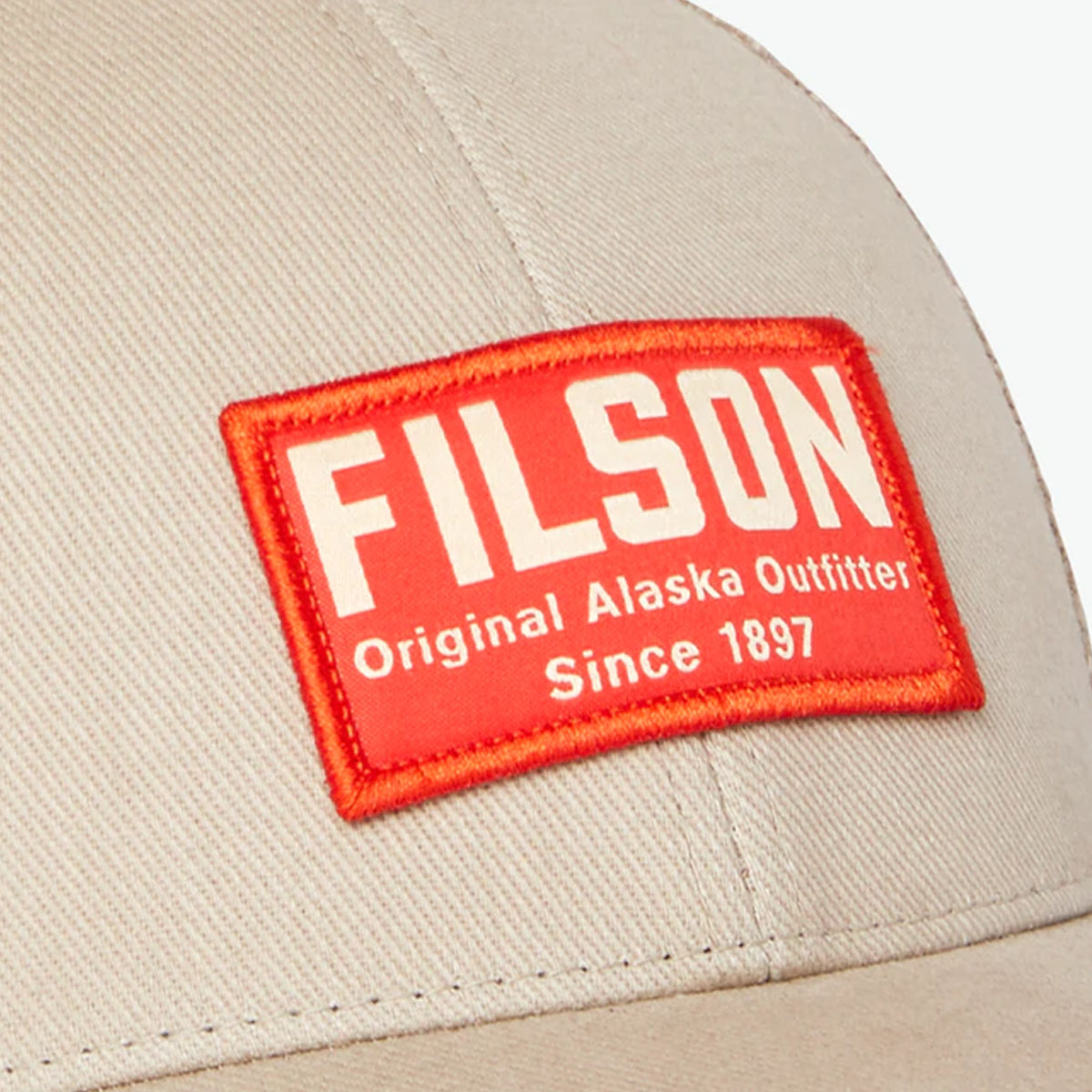 Filson Mesh Snap-Back Logger Cap 20204520-Khaki, slijtvaste pet met geborduurd Filson logo patch en mesh-zoonbescherming
