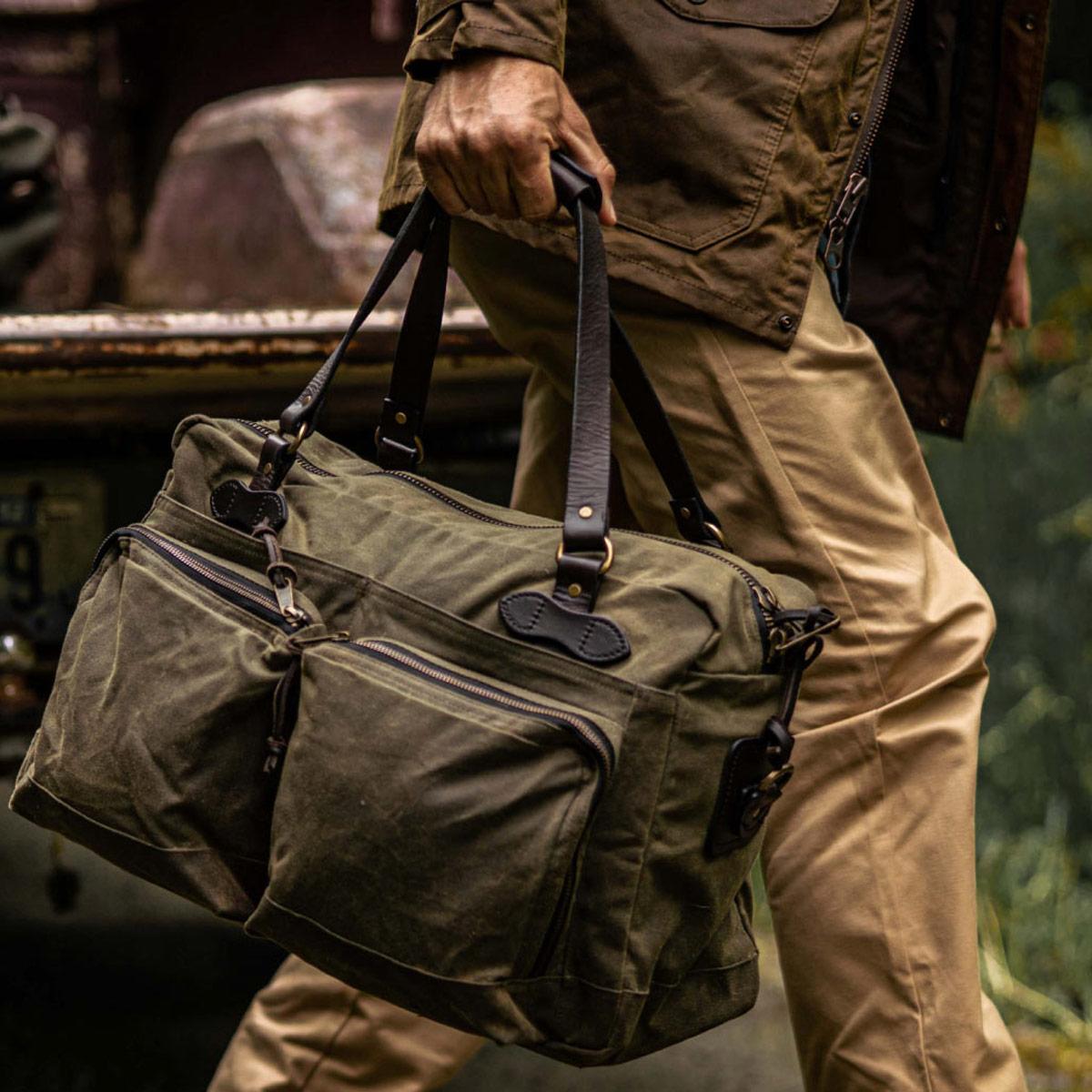 Filson 48-Hour Duffle 11070328 Otter Green, is uitermate geschikt voor een weekendje weg of een zaken reis
