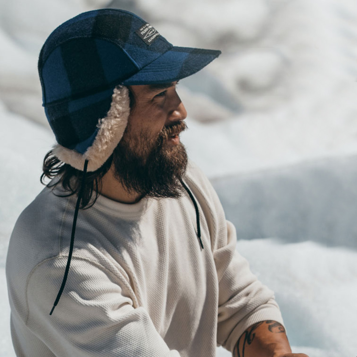 Filson Double Mackinaw Cap Cobalt Black, unbeatable cold-weather protection in the coldest weather