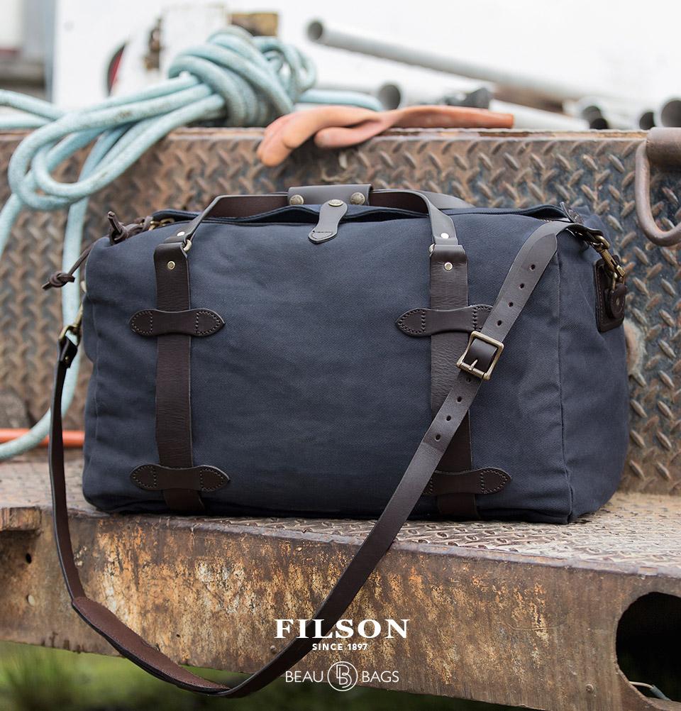 Filson Duffle Medium Navy, perfect voor een weekendje weg of een kleine zakenreis