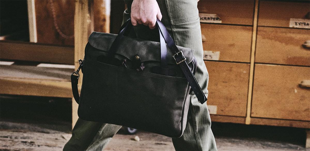 Filson Original Briefcase 11070256 Otter Green, al jaren een stijlicoon onder de mannen tassen