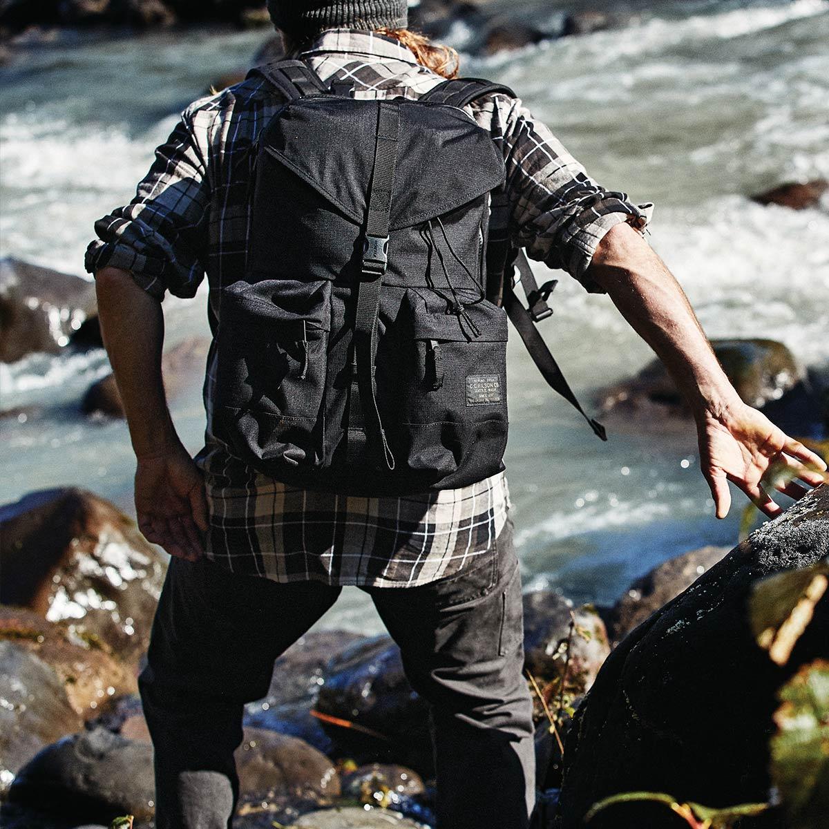 Filson Ripstop Backpack 20115929 Black, Lichtgewicht en stoer, ontworpen voor comfort op lange tochten