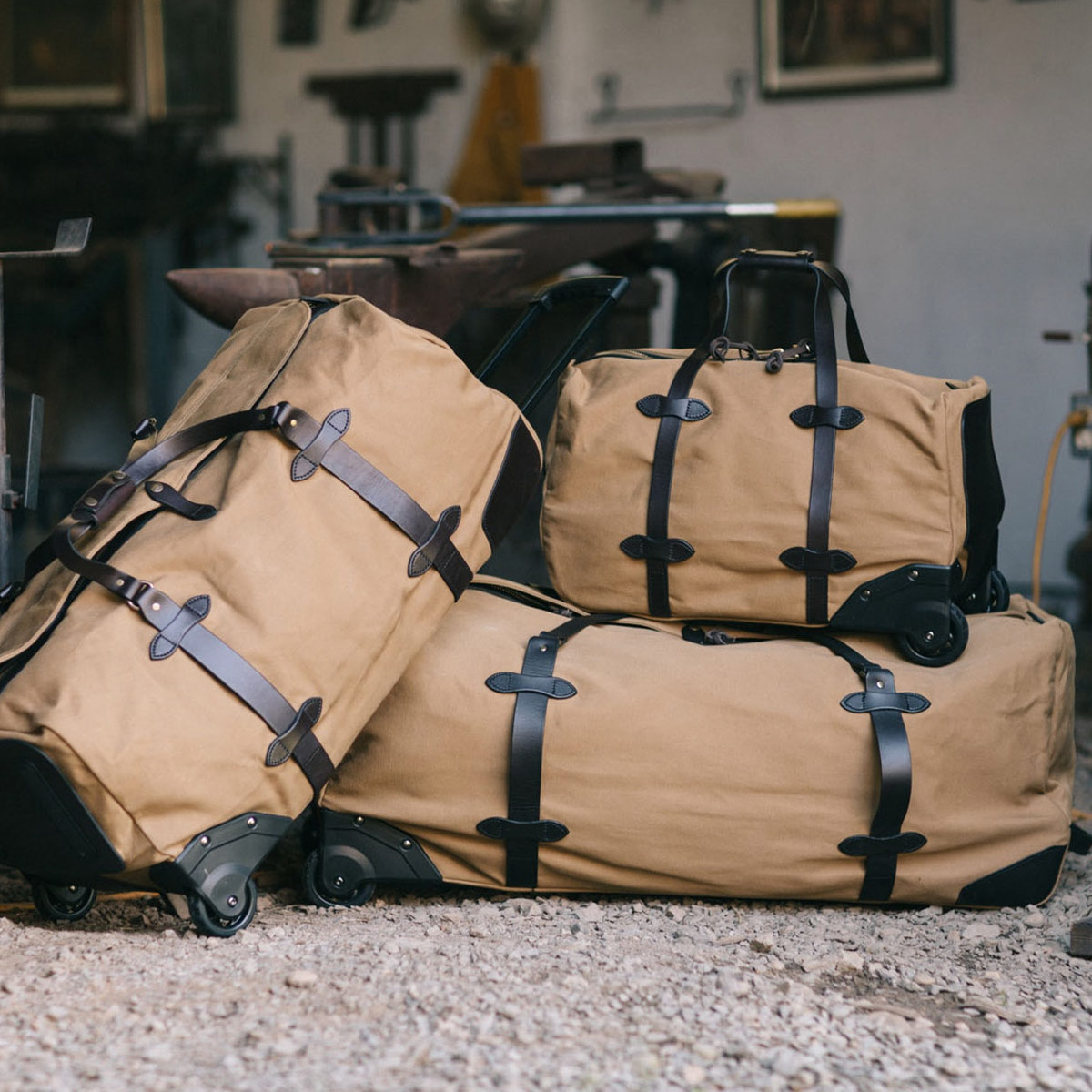 Filson Rolling Duffles Bags Tan, Small-Large en Extra Large