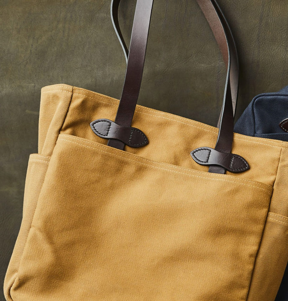 Filson Rugged Twill Tote Bag 11070260-Tan, an abrasion-resistant, water-repellent tote