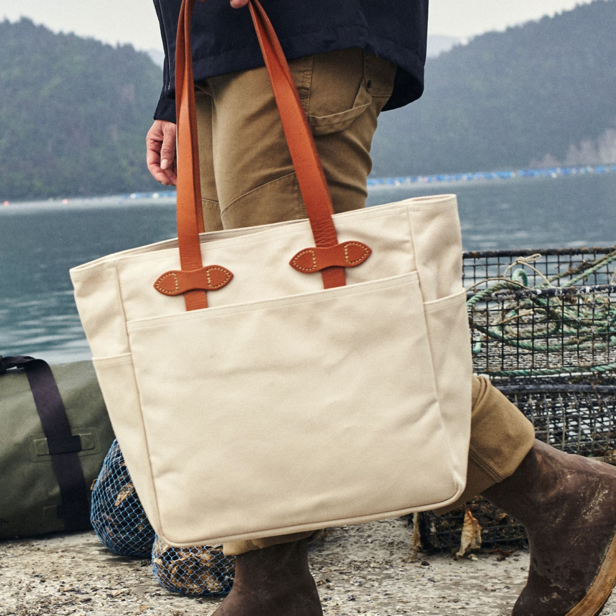 Filson Rugged Twill Tote Bag 20112029-Natural, lifestyle