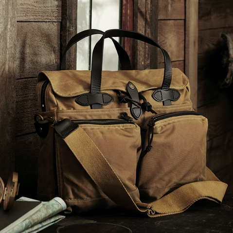 Filson 24-Hour Tin Briefcase Tan, perfecte tas voor een weekend weg