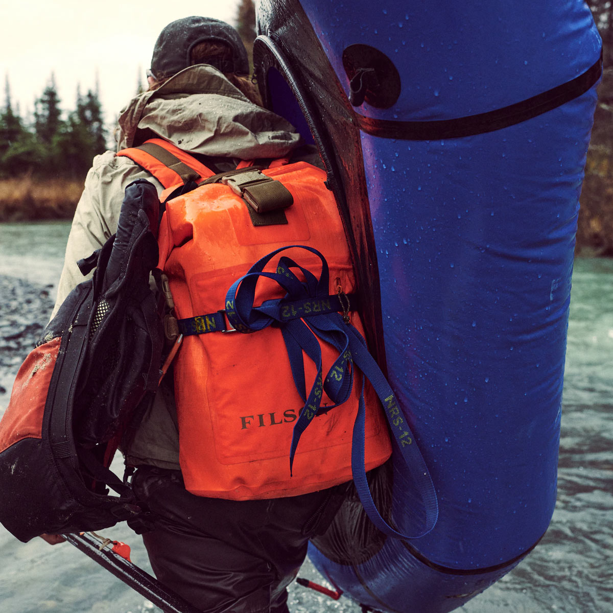Filson Dry Backpack Flame, houdt je uitrusting droog in alle weersomstandigheden