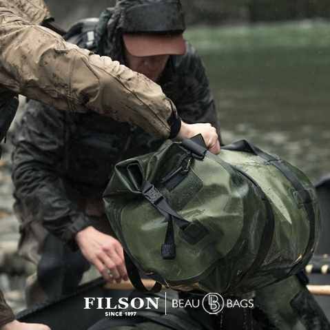 Filson Dry Duffle Bag Medium, for use in all weather conditions