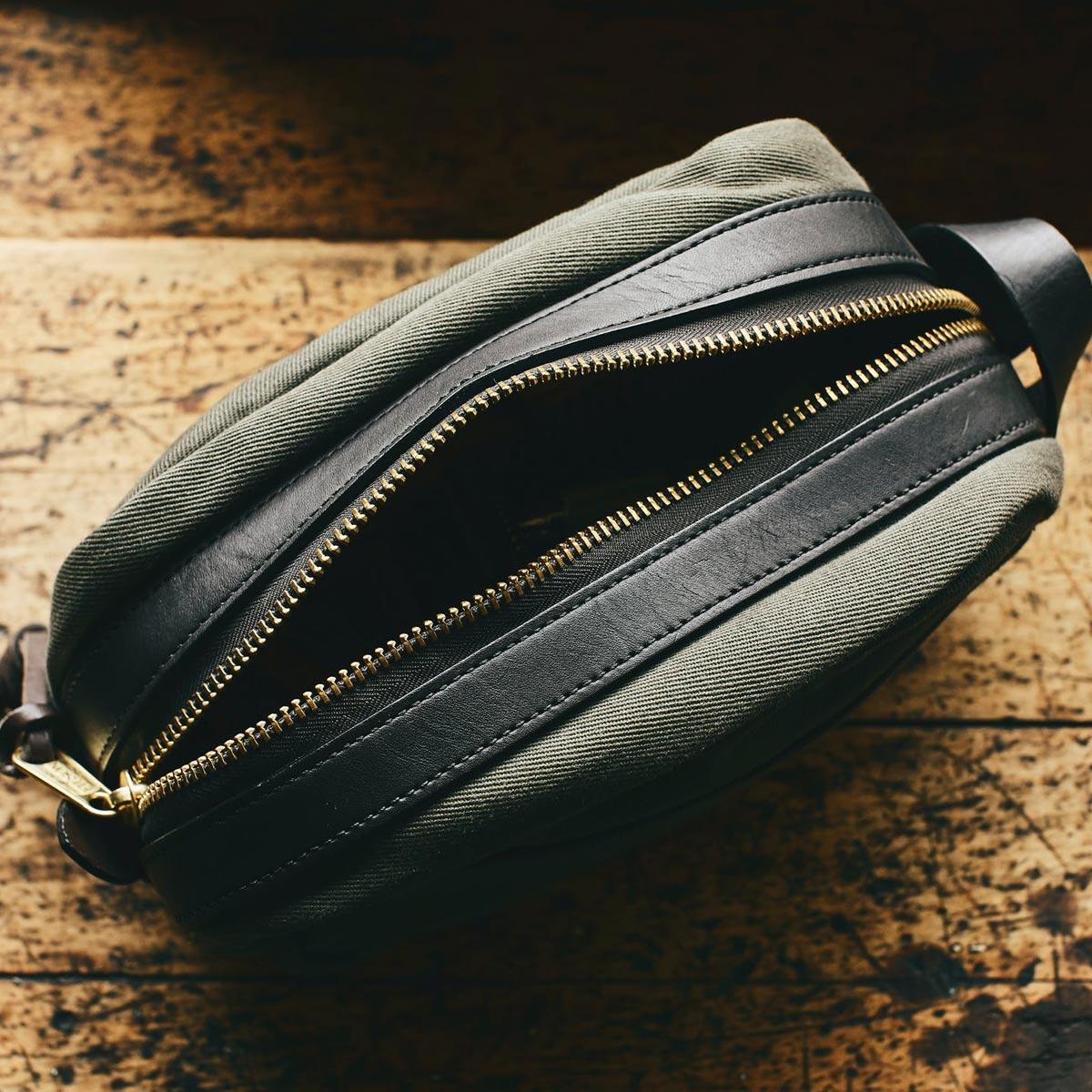 Filson Travel Kit 11070218-Otter Green, stijlvolle travel-kit voor iedere trip die jij gaat maken