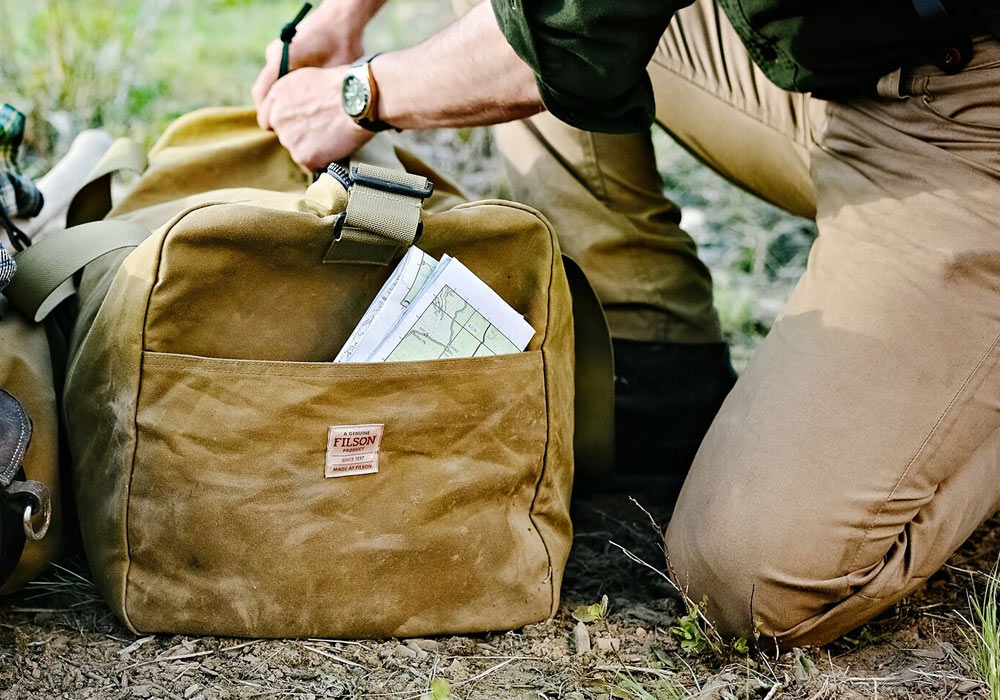 Filson Tin Cloth Medium Duffle Bag 11070015-Tan for all your field trips
