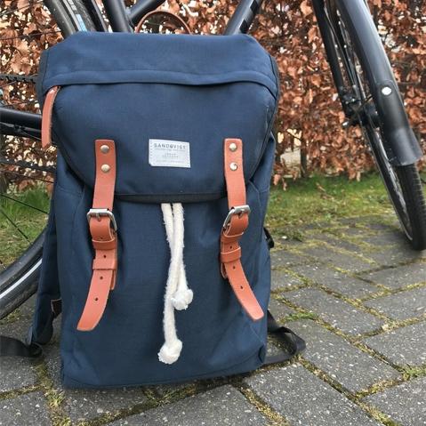 Sandqvist Hans Backpack Blue, perfecte 15 inch rugtas voor dagelijks gebruik zowel op het werk als in de natuur
