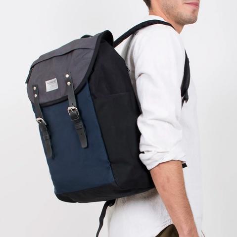 Sandqvist Hans Backpack Multicolor, perfecte 15 inch rugtas voor dagelijks gebruik zowel op het werk als in de natuur