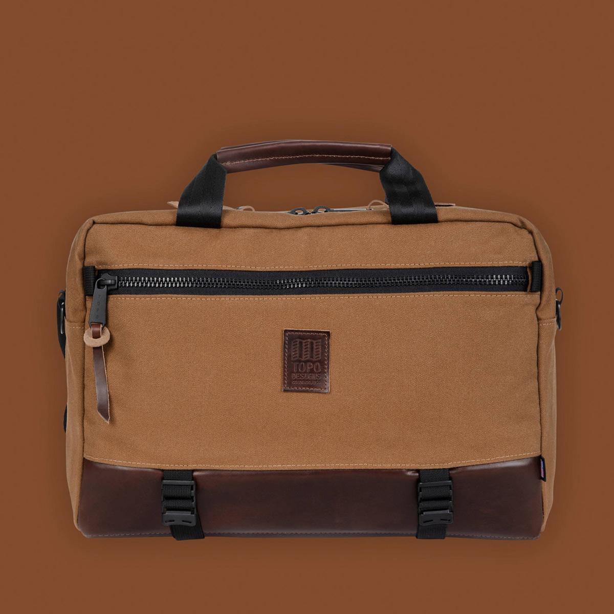 Topo Designs Commuter Briefcase Heritage Dark Khaki Canvas/Dark Brown Leather, kies tussen drie draagstijlen