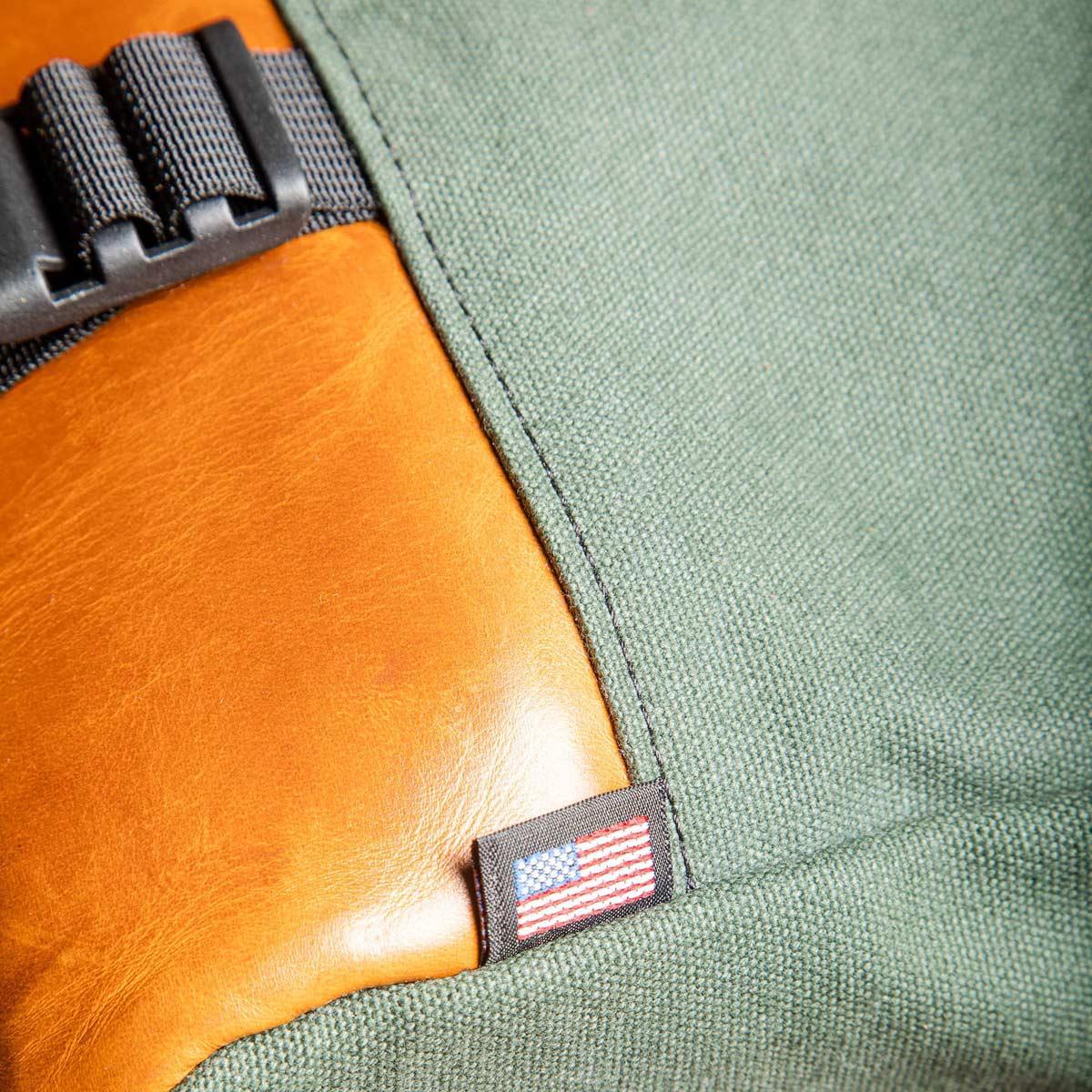 Topo Designs Commuter Briefcase Heritage Olive Canvas/Brown Leather, aktetas, schoudertas en rugzak in één