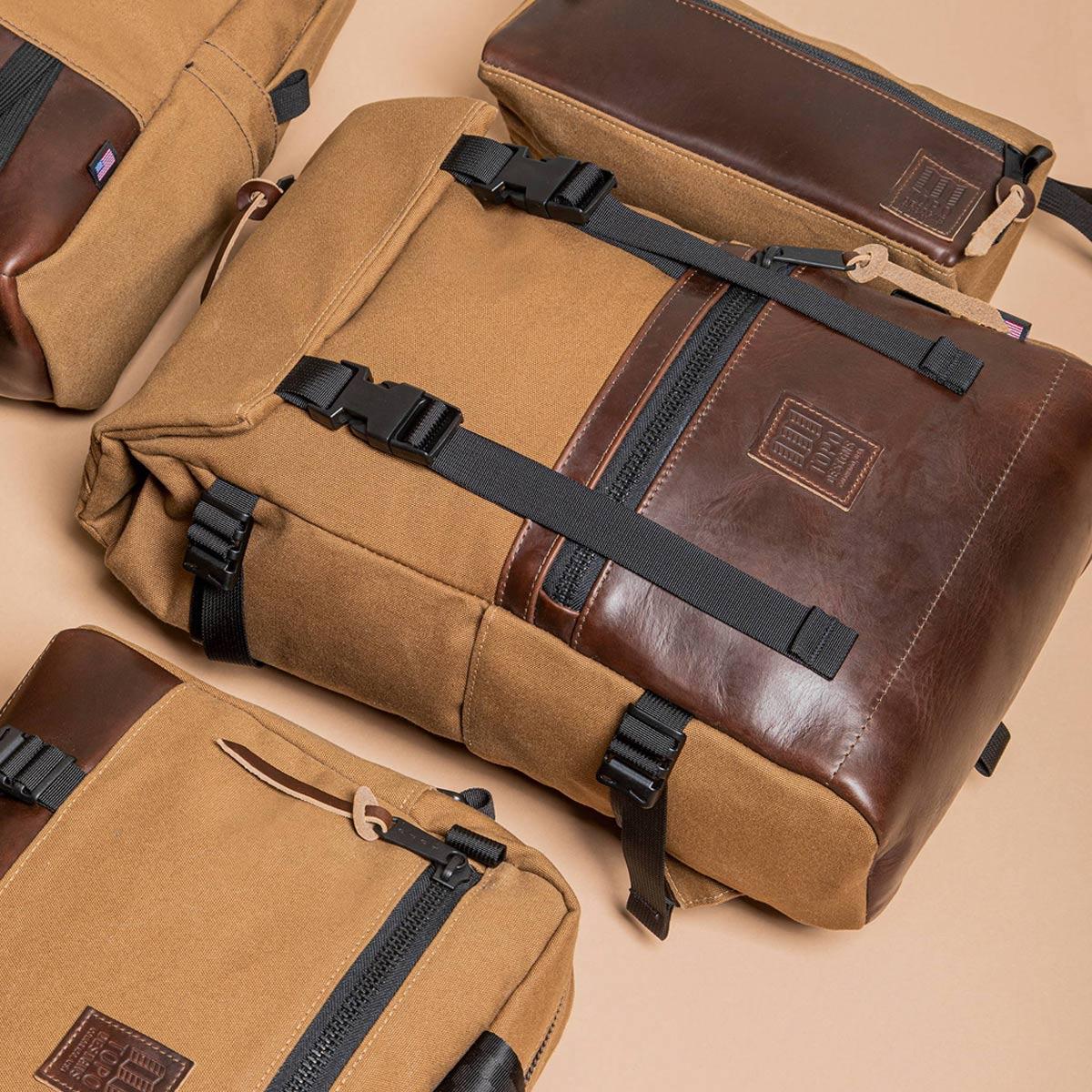 Topo Designs Rover Pack Heritage Dark Khaki Canvas/Brown Leather, tijdloze rugzak met moderne functionaliteiten voor dagelijks gebruik