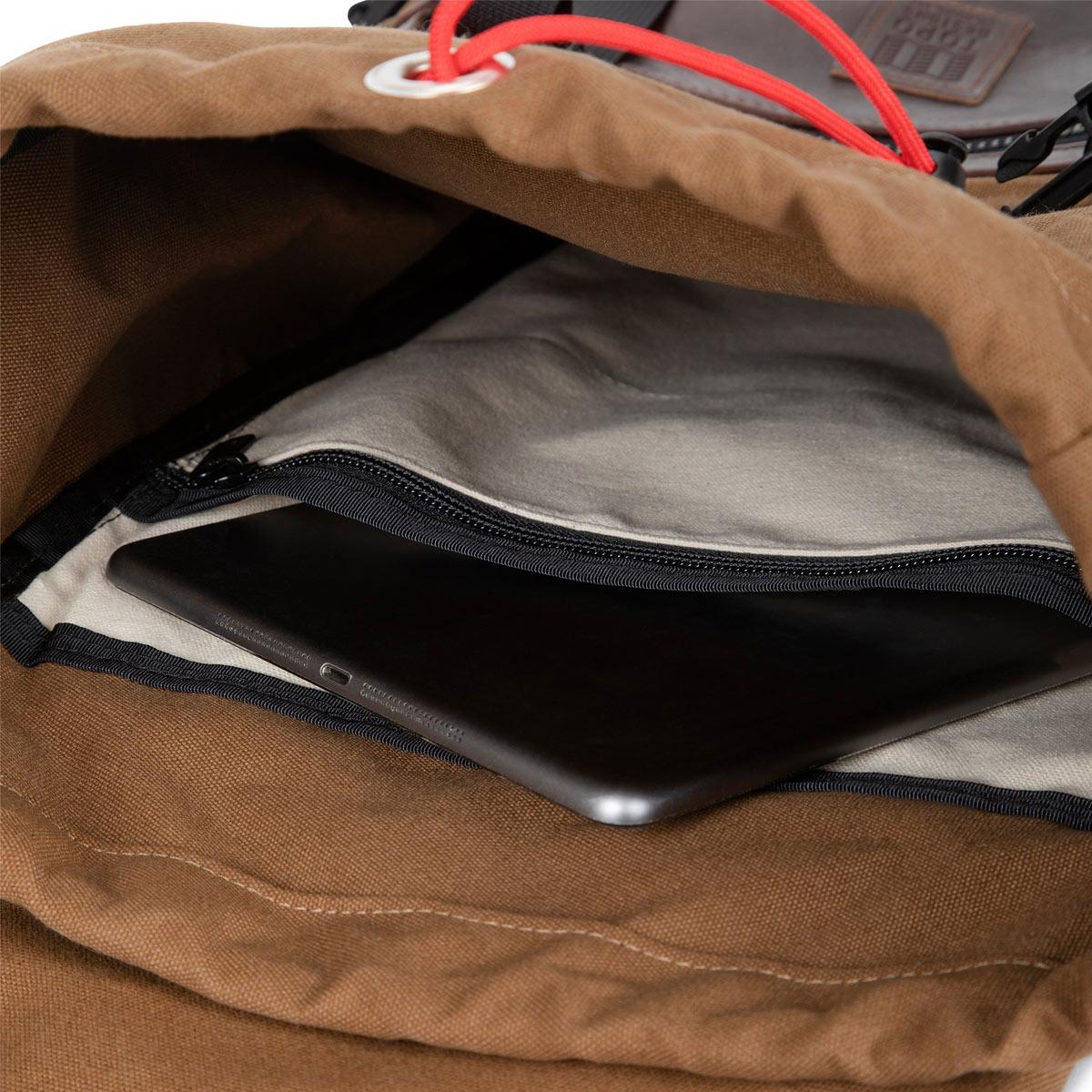 Topo Designs Rover Pack Heritage Dark Khaki Canvas/Brown Leather, iconische rugzak voor man en vrouw
