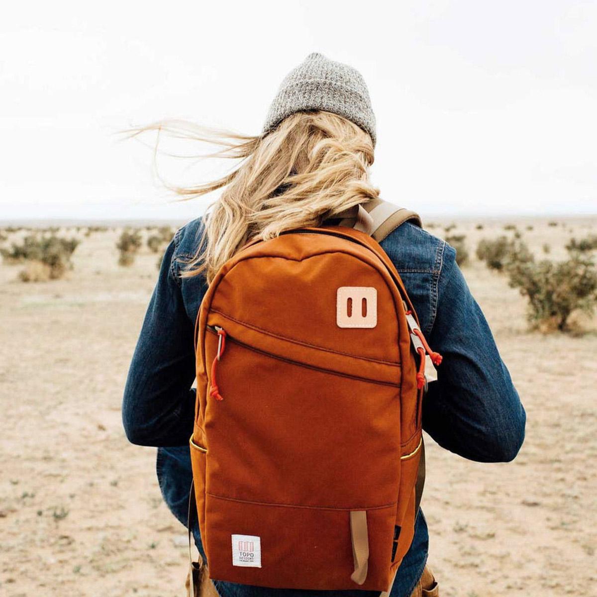 Topo Designs Daypack backpack Clay, ook op vakantie je beste vriend