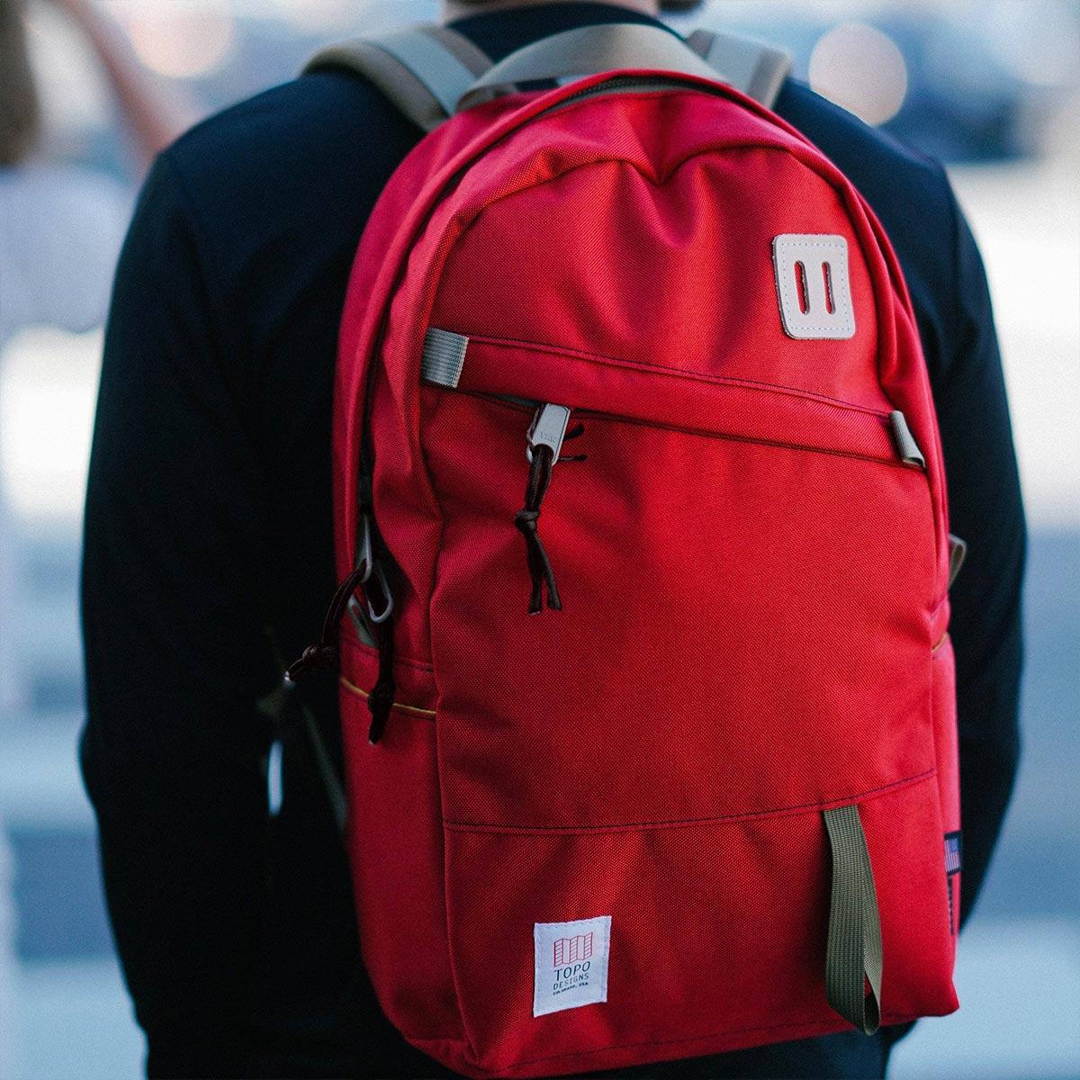 Topo Designs Daypack backpack Red, ook op vakantie je beste vriend