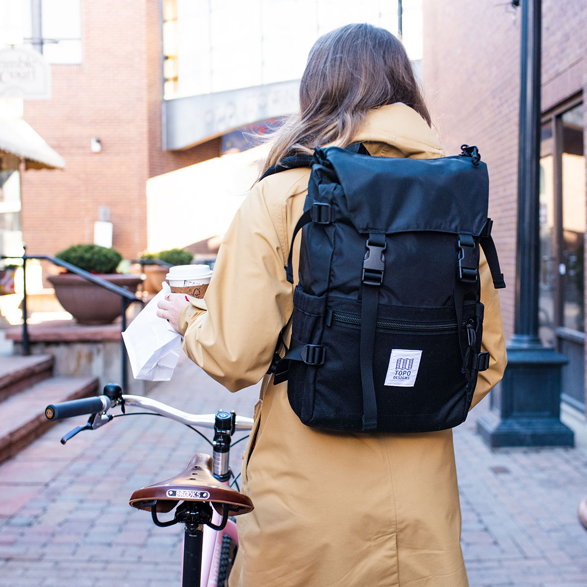 Topo Designs Rover Pack Classic Black, tijdloze rugzak met moderne functionaliteiten voor dagelijks gebruik