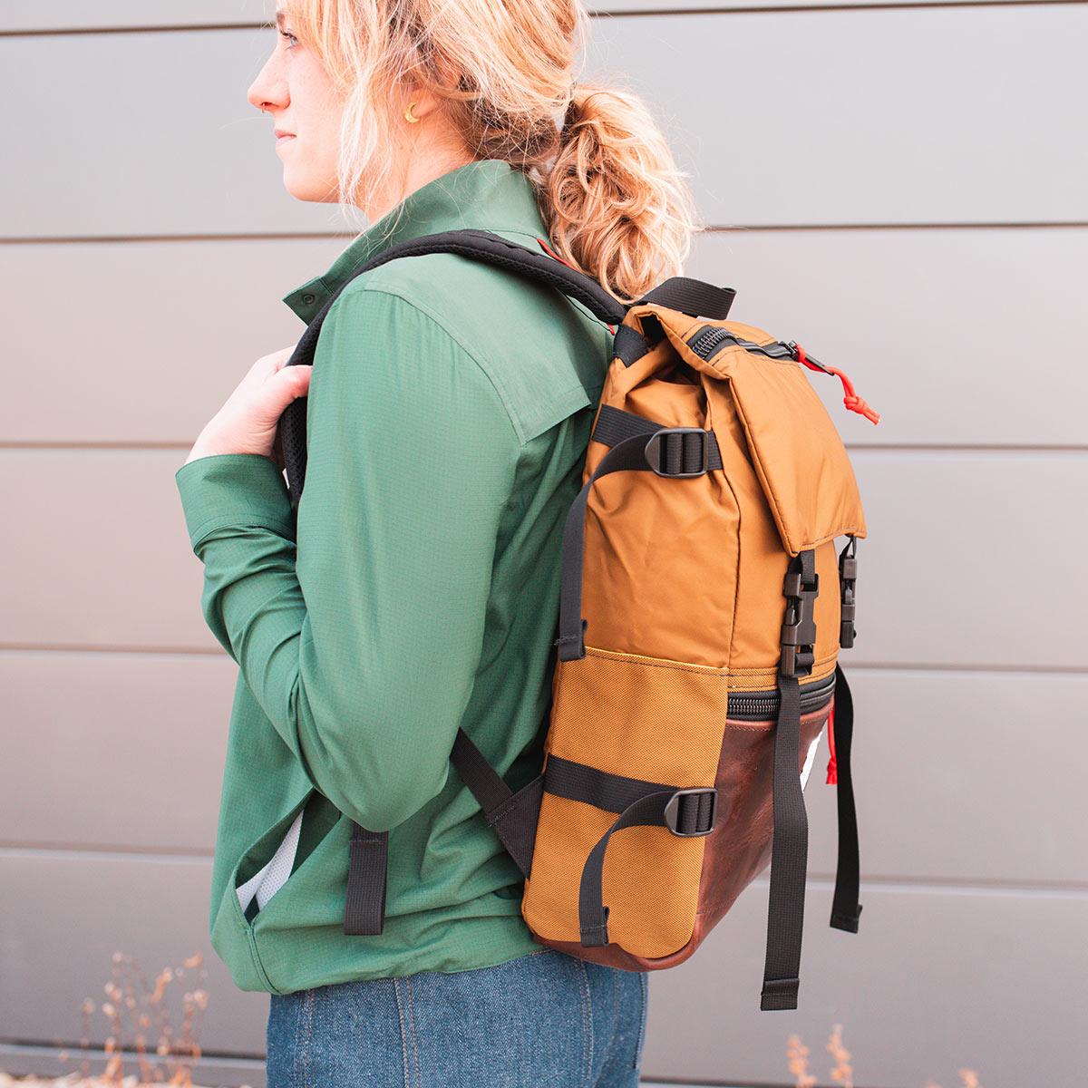 Topo Designs Rover Pack Heritage Duck Brown/Dark Brown Leather, tijdloze rugzak met moderne functionaliteiten voor dagelijks gebruik
