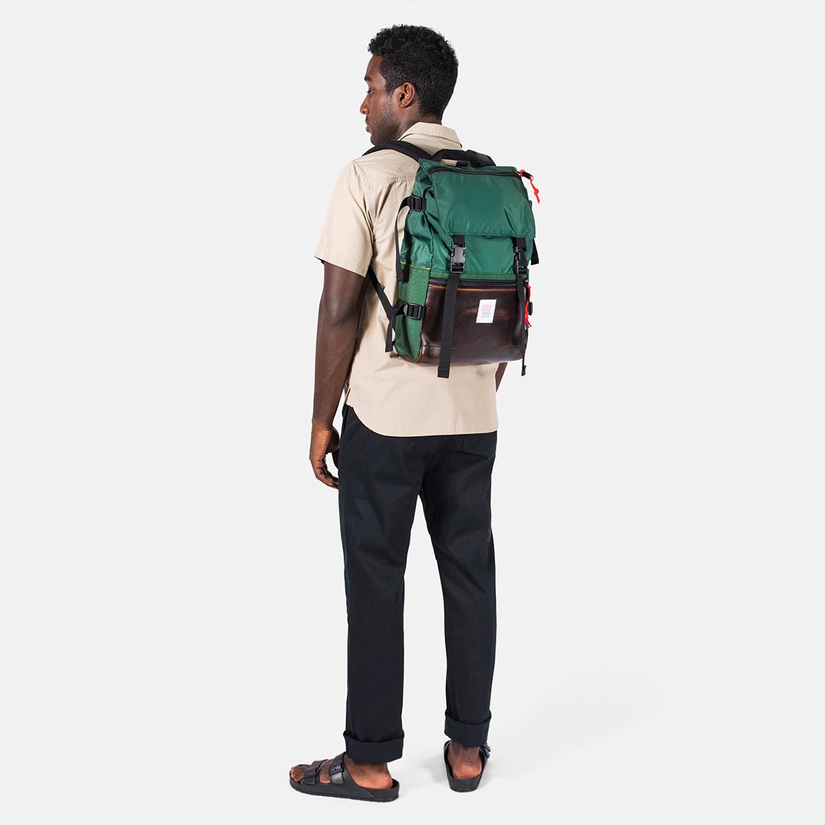 Topo Designs Rover Pack Heritage Forest/Brown Leather, tijdloze rugzak met moderne functionaliteiten voor dagelijks gebruik