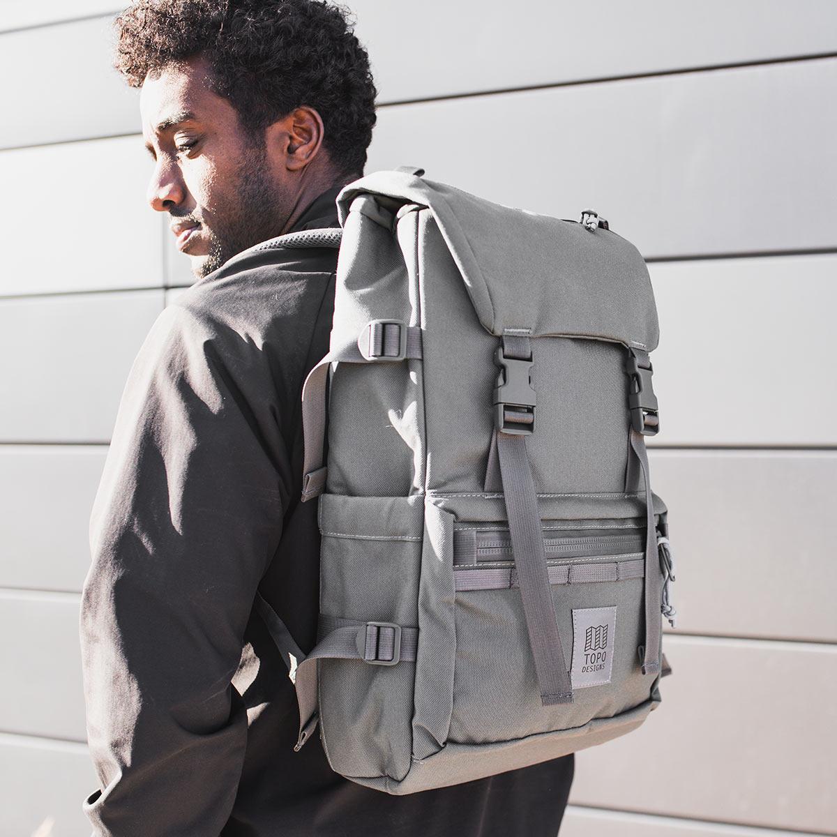 Topo Designs Rover Pack Tech Charcoal, tijdloze rugzak met moderne functionaliteiten voor dagelijks gebruik