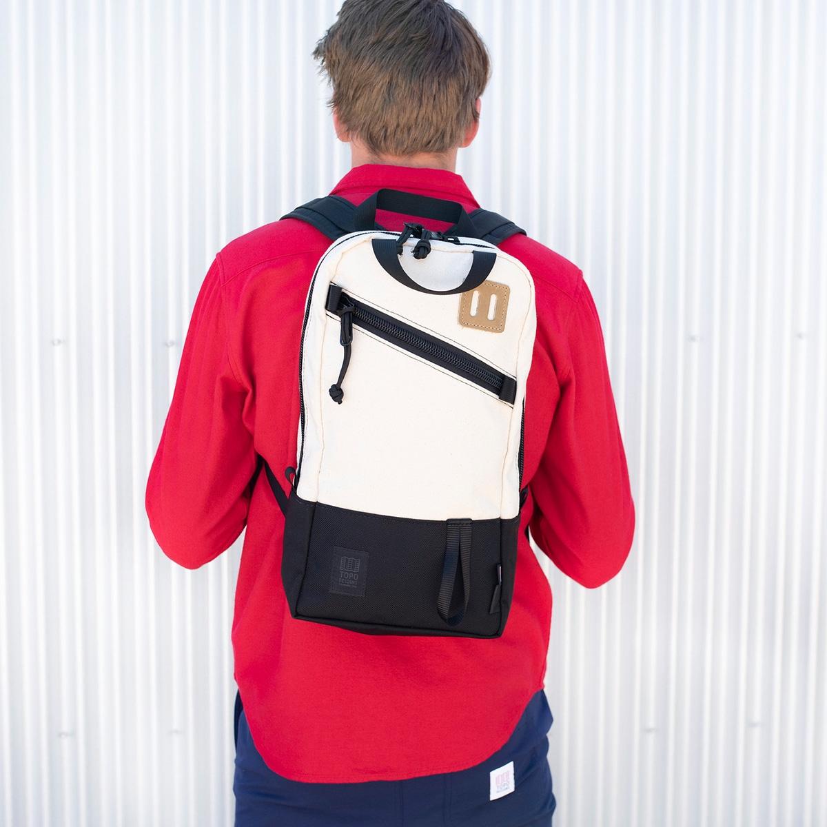 Topo Designs Trip Pack Natural/Ballistic Black, perfecte rugzak voor elke dag tocht