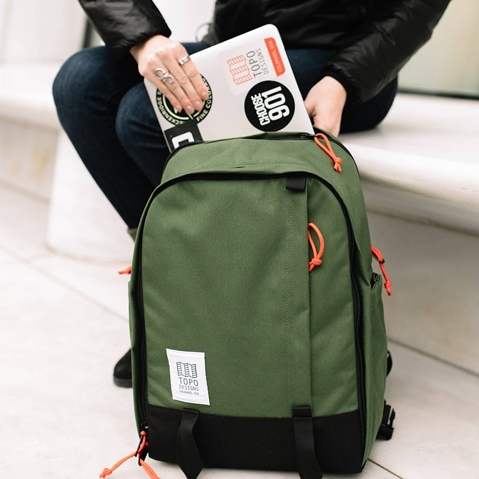 Topo Designs Core Pack Black, lifestyle