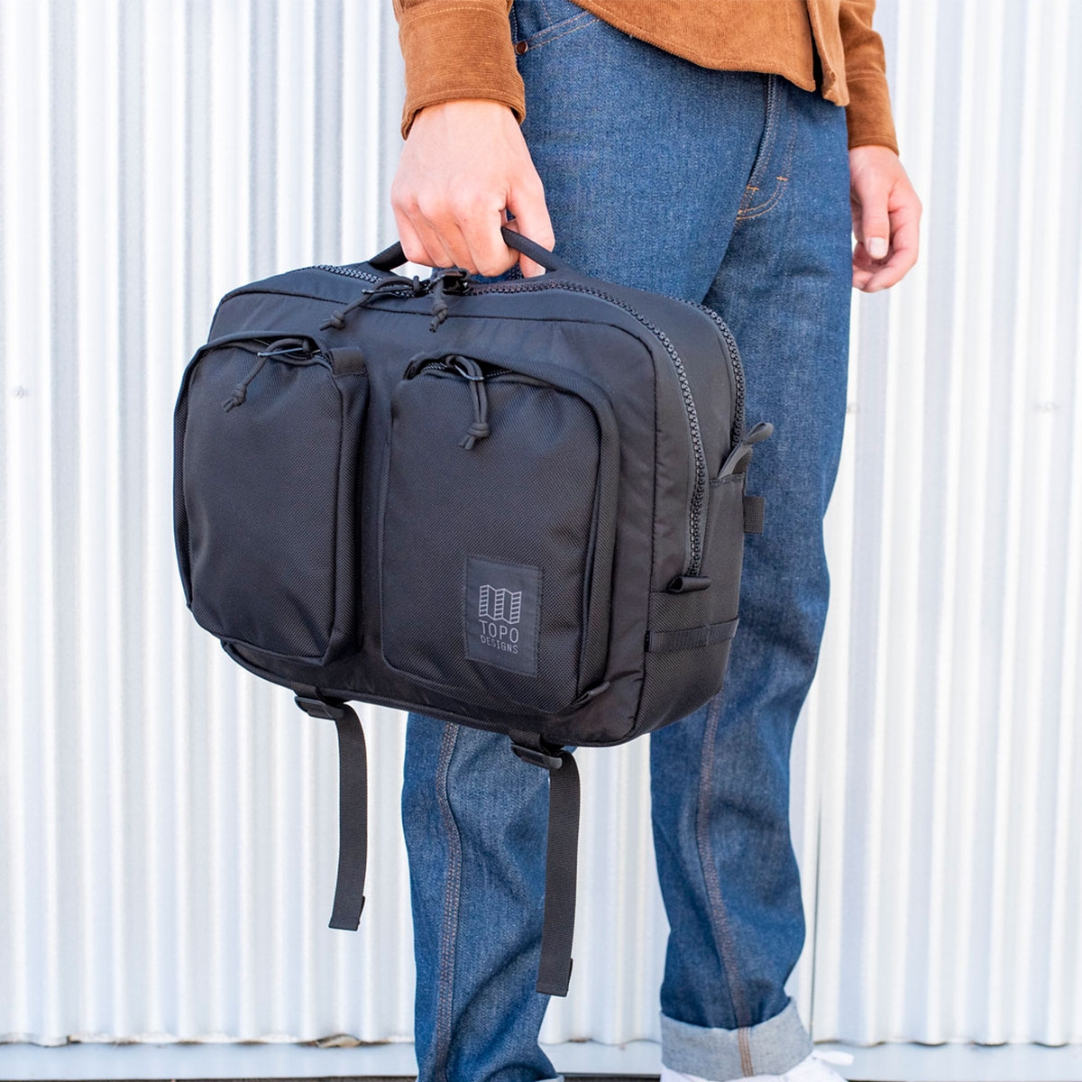 Topo Designs Global Briefcase Ballistic Black, the perfect bag for everyday carry