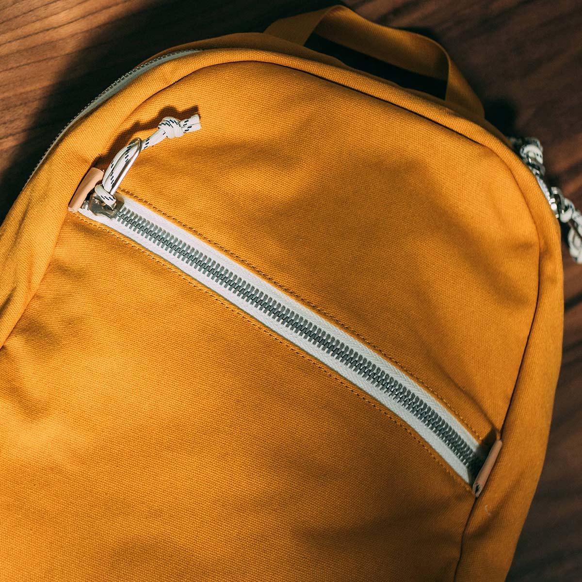 Topo Designs Light Pack Canvas, lichtgewicht alle-daagse tas en de perfecte rugzak voor wandeltochten