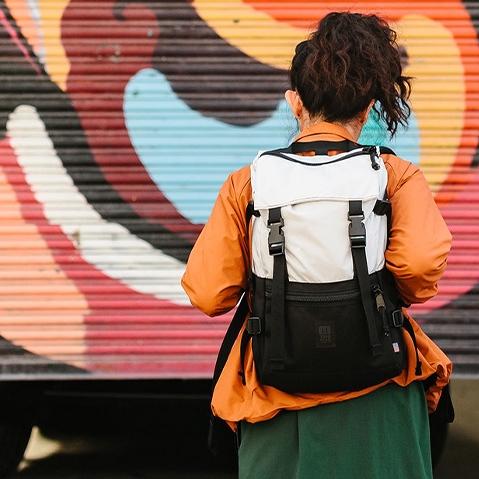 Topo Designs Rover Pack Natural/Black, de ultieme rugzak voor dagelijks gebruik