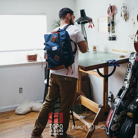 Topo Designs Mountain Briefcase Navy/Brown Leather, voor naar je werk, in de stad of een reis rond de wereld